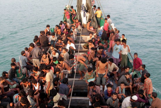 rohingya-migrants-sit-in-a-boat-data